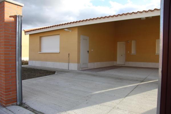 Chalet independiente en Aldeamayor de San Martín (M56134) - foto1