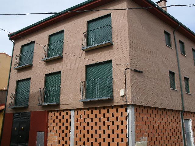 Garaje en Cebreros (21241-0001) - foto0