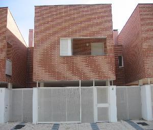 Chalet adosado en Cabezón de Pisuerga (22737-0001) - foto0