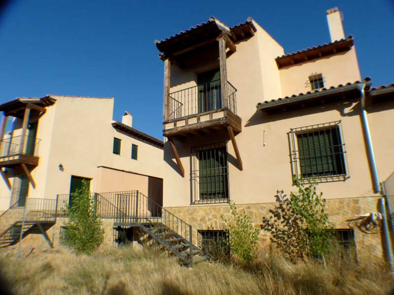 Chalet adosado en Arcas del Villar (M56263) - foto1