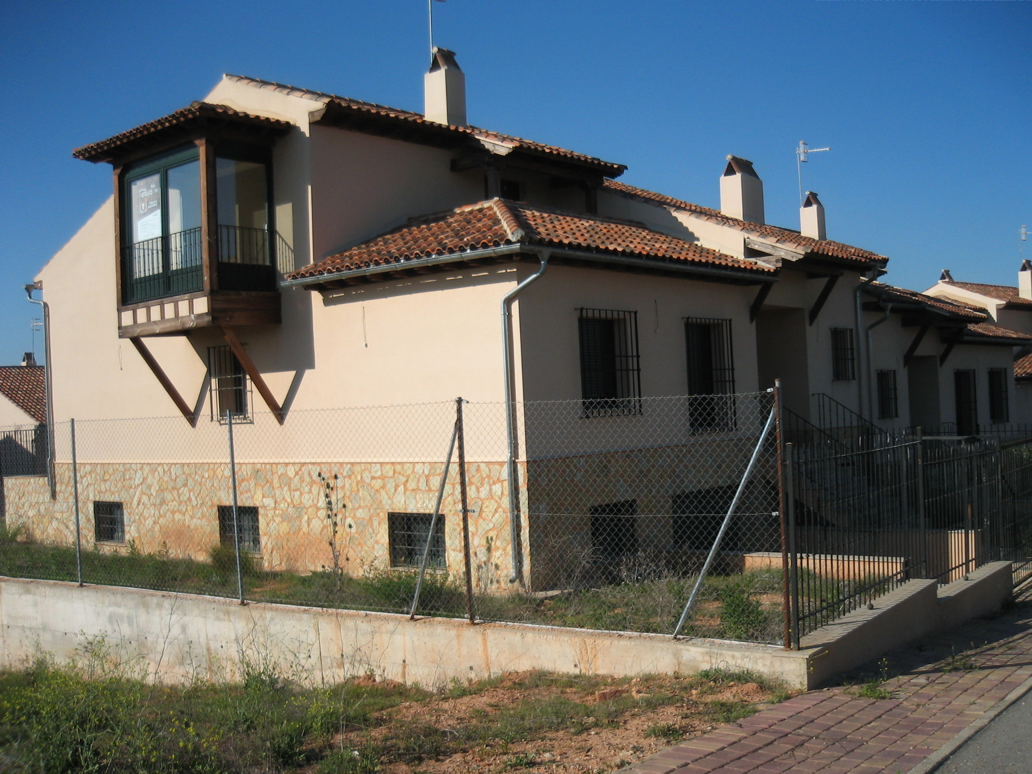 Chalet adosado en Arcas del Villar (M56263) - foto0