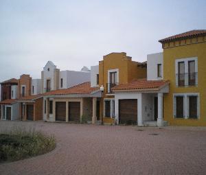 Chalet adosado en Carrascal de Barregas (22818-0001) - foto0
