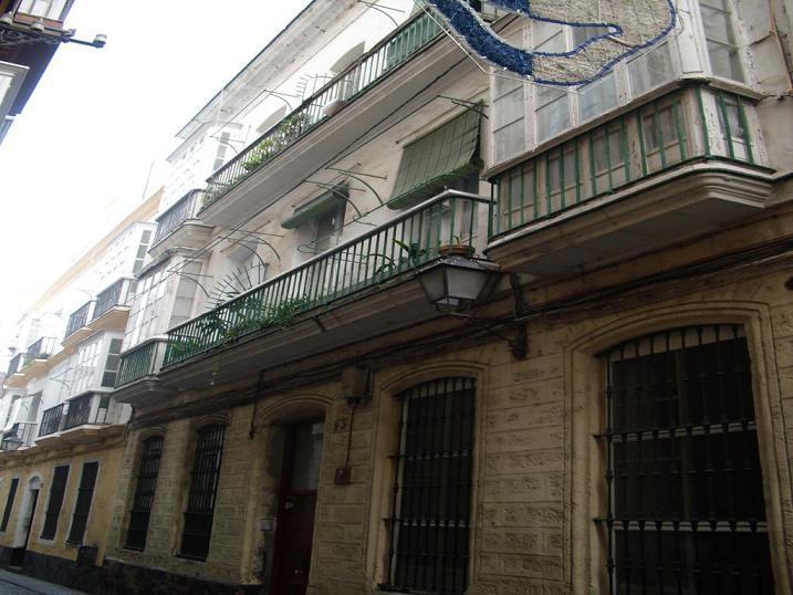 Piso en Cádiz (32918-0001) - foto0