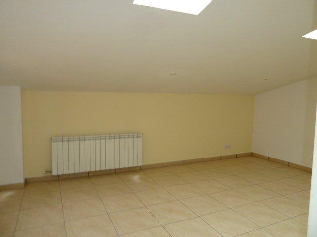 Apartamento en Centelles (33061-0001) - foto2
