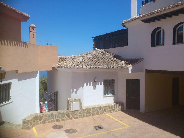 Chalet adosado en Almuñécar (33263-0001) - foto1