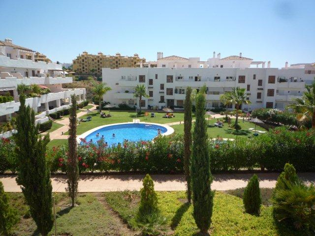 Apartamento en Estepona (33731-0001) - foto0