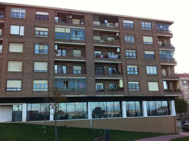 Apartamento en Calahorra (36873-0001) - foto0