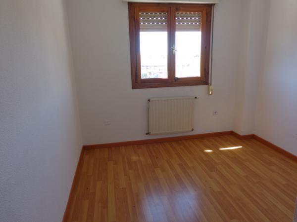 Apartamento en Cobeña (37282-0001) - foto3