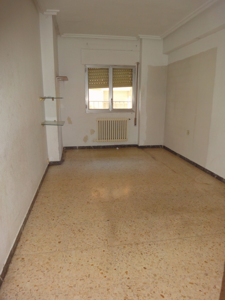 Apartamento en Monzón (37394-0001) - foto2