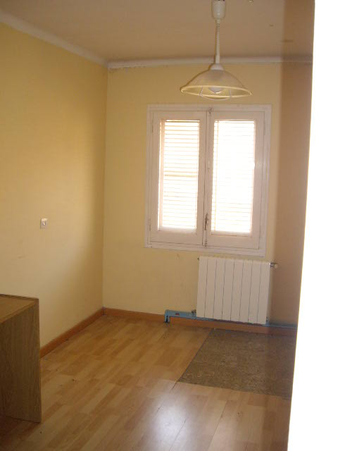 Apartamento en Jonquera (La) (42331-0001) - foto2
