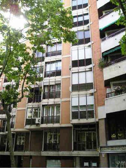 Locales en Barcelona (75008-0001) - foto0
