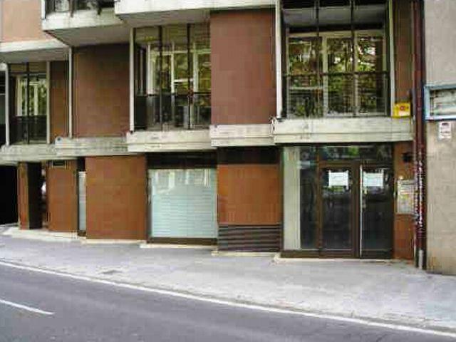 Locales en Barcelona (75008-0001) - foto1