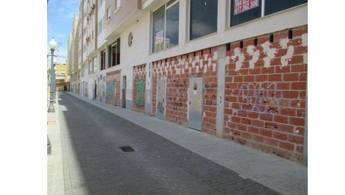 Locales en Vinaròs (M66351) - foto1