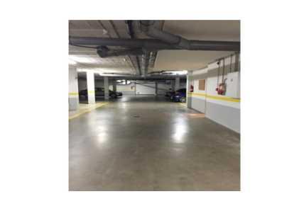 Garaje en Vigo - 0