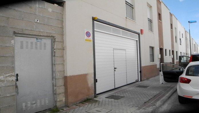 Garaje en Palacios y Villafranca (Los) (Los Palacios) - foto1