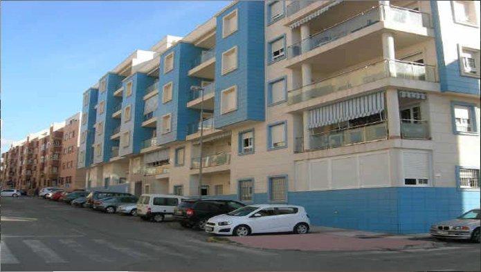 Piso en Roquetas de Mar (M64476) - foto0