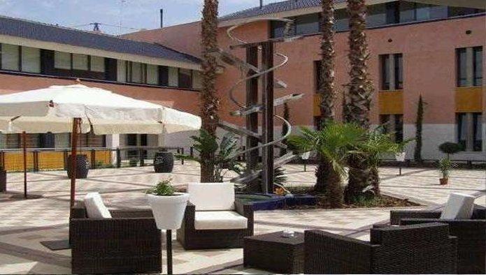 Hotel en Burguillos (32364-0001) - foto3