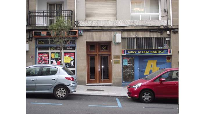 Locales en Vigo (23025-0001) - foto0
