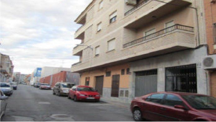 Locales en Pobla de Vallbona (la) (36595-0001) - foto0