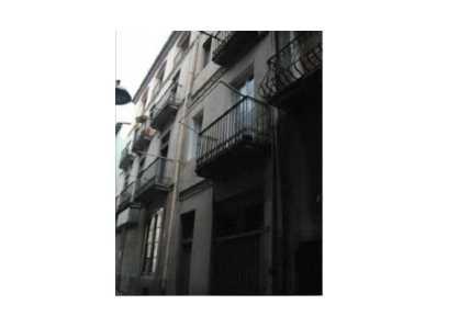 Edificio en Olot - 0