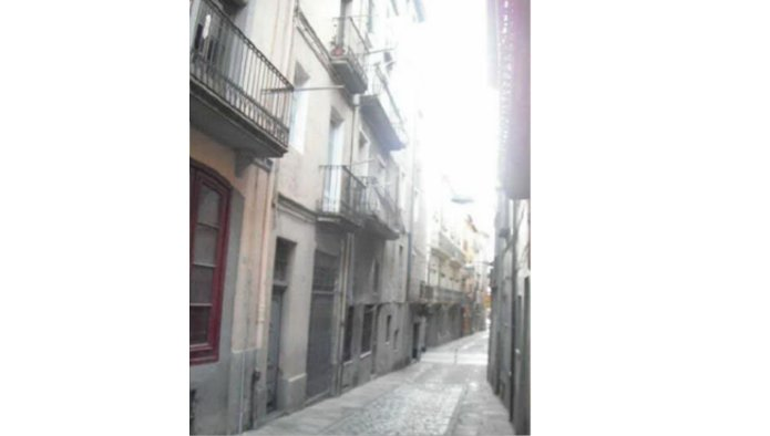 Edificio en Olot (42602-0001) - foto2