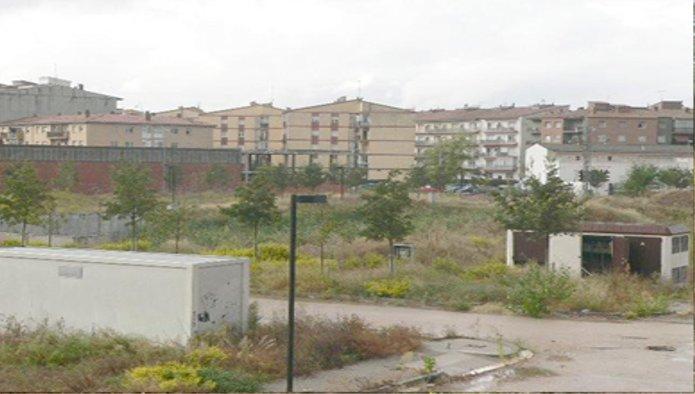 Solares en Figueres (31692-0001) - foto0