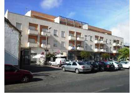 Garaje en Lora del Río (00016-0001) - foto1