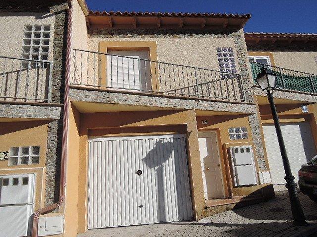 Chalet adosado en Fresnedillas de la Oliva (00866-0001) - foto0