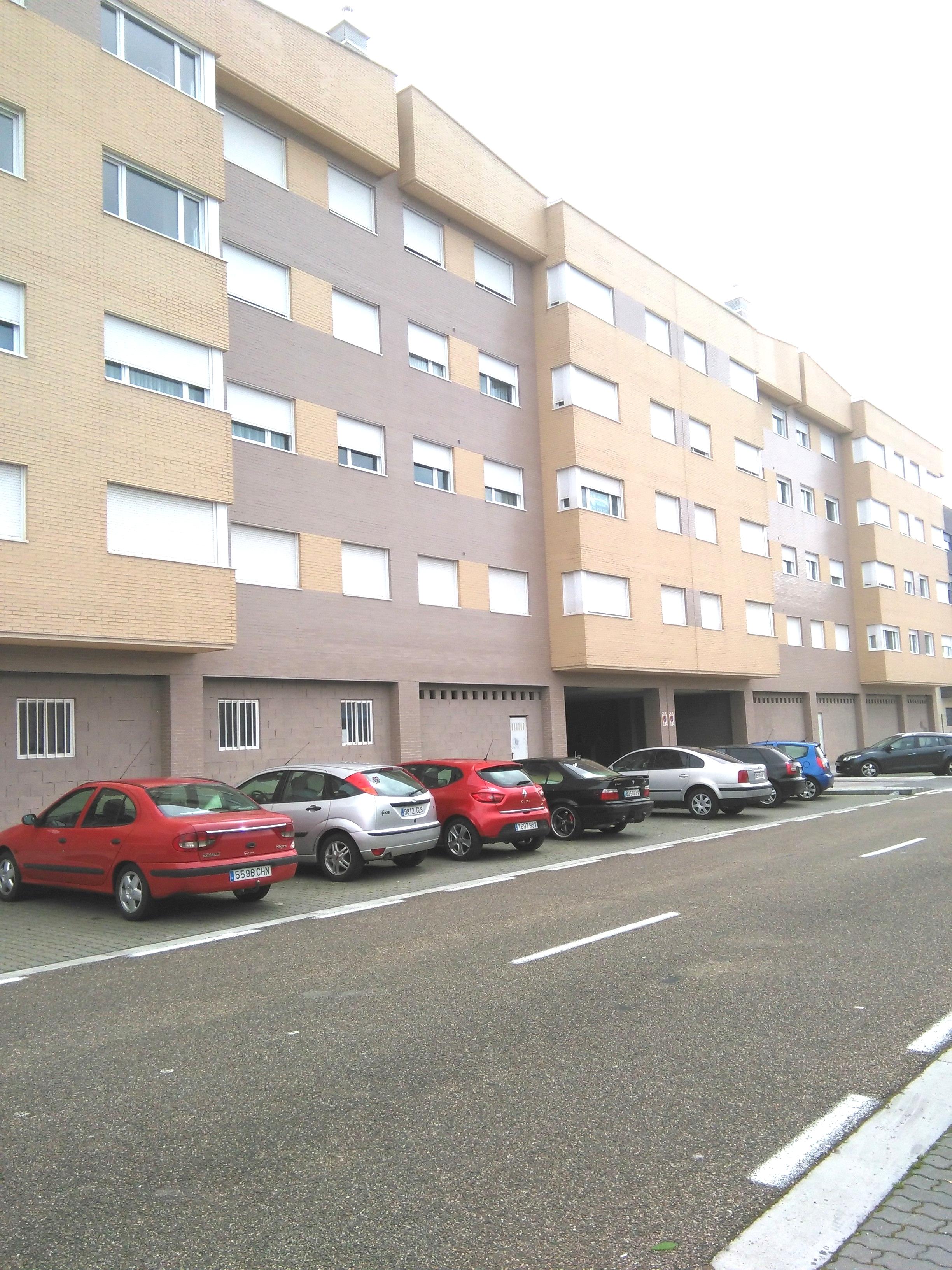Locales en Palencia (M77611) - foto0