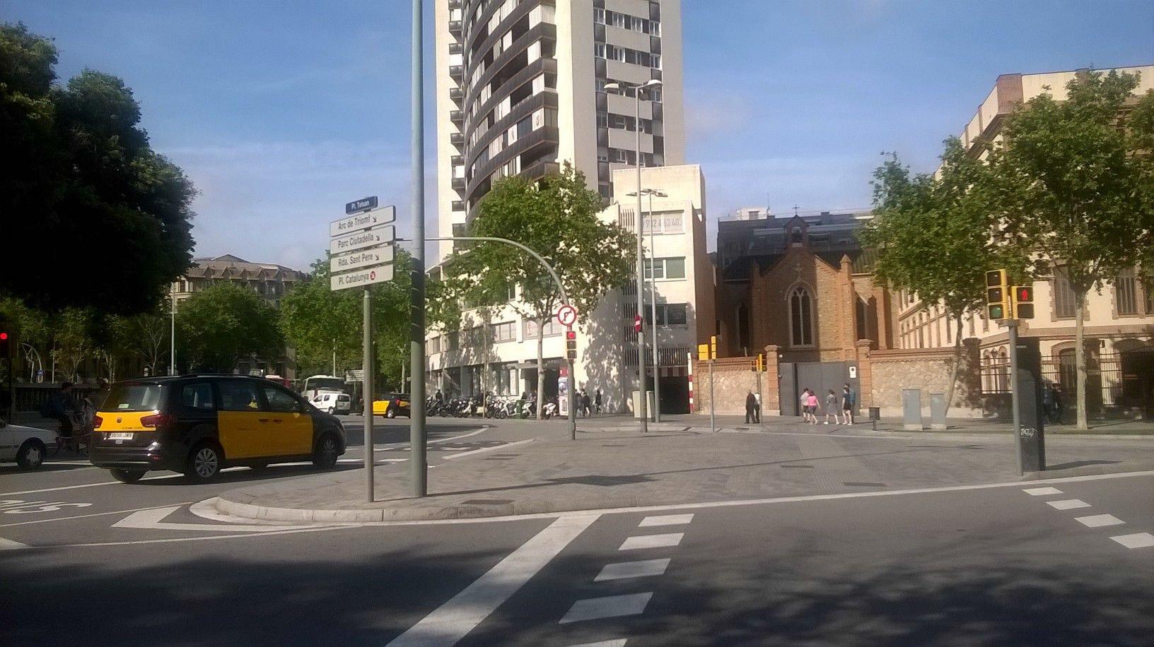 Garaje en Barcelona (Tetuán) - foto0