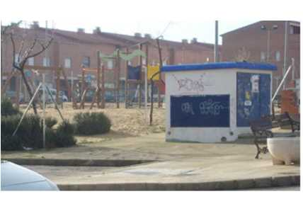 Chalet adosado en Chozas de Canales (51088-0001) - foto1