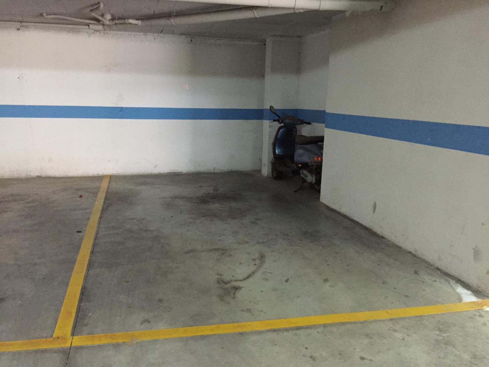 Bajo en Fuengirola (36783-0001) - foto9