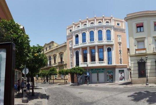 Edificio en Jerez de la Frontera (M82100) - foto0