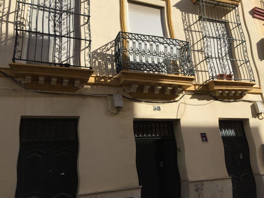Edificio en Sevilla (09633-0001) - foto0