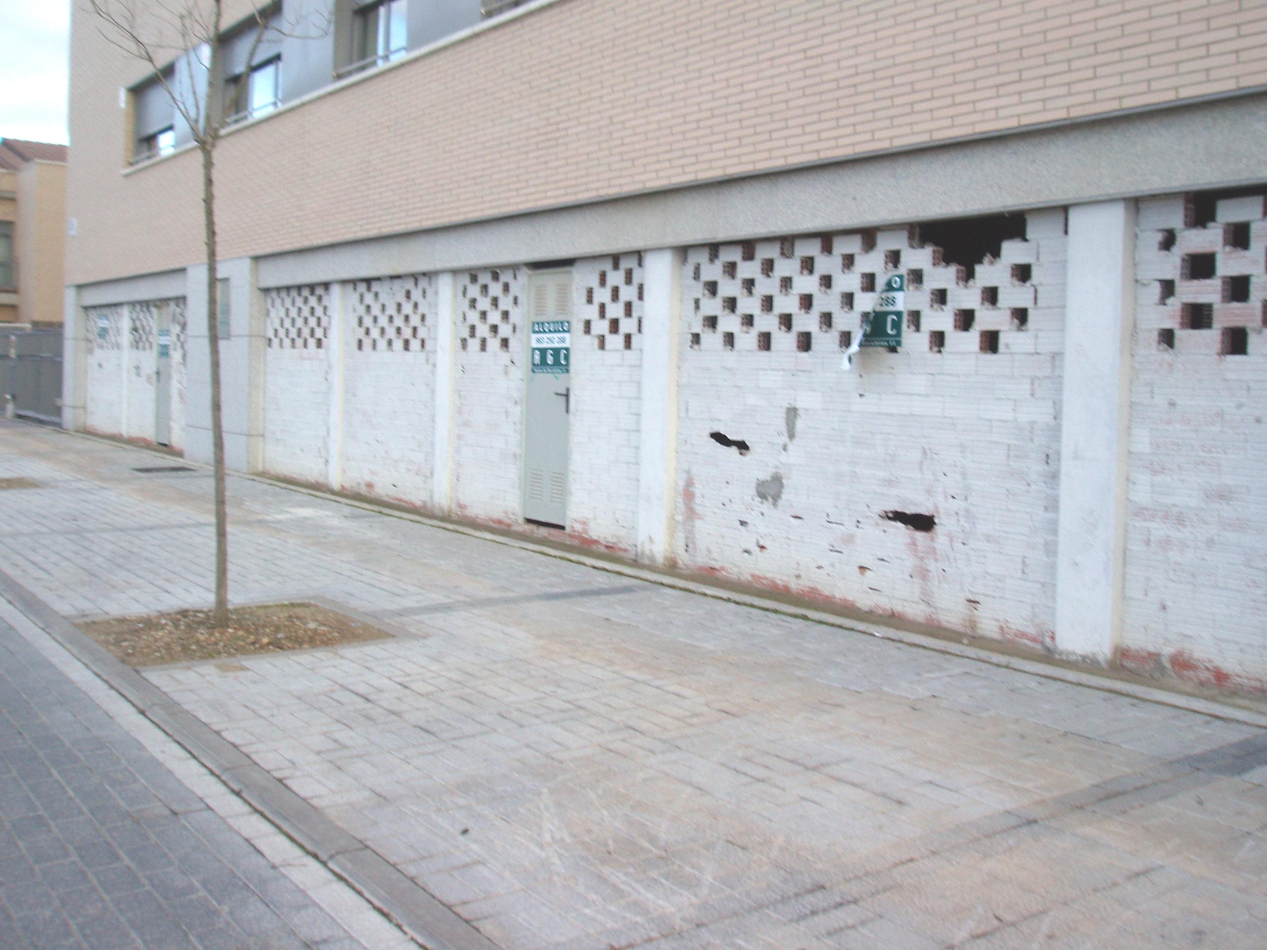 Locales en Valladolid (M66459) - foto11