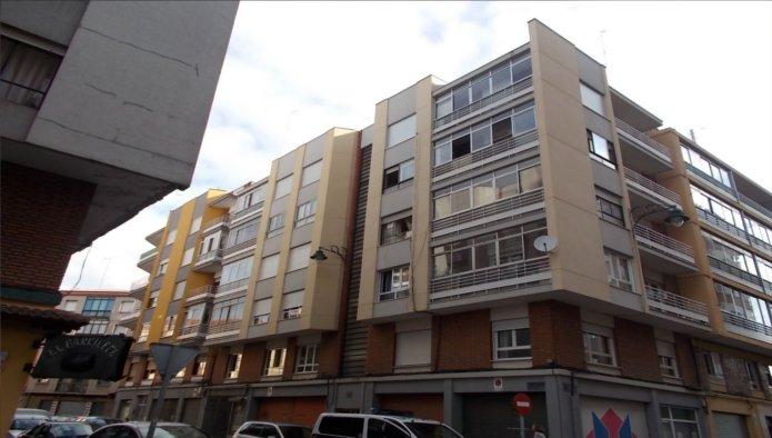 Piso en León (61831-0001) - foto0