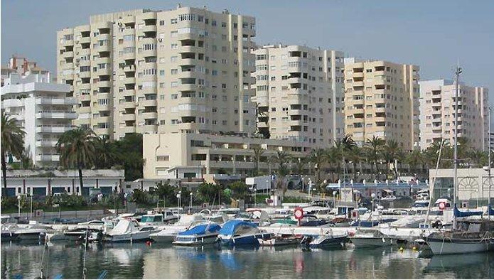 Locales en Estepona (Local en el Puerto Deportivo en Estepona ) - foto0