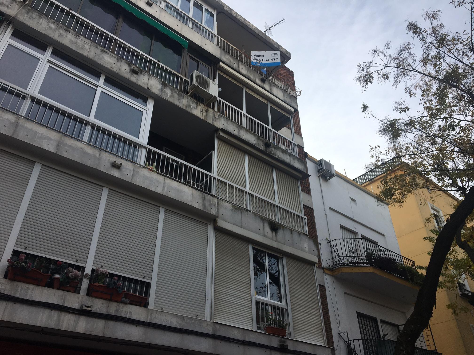 Piso en Sevilla (Avda. Miraflores) - foto0