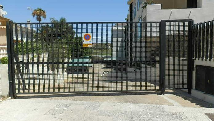 Garaje en Torremolinos (82724-0001) - foto0